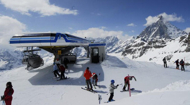 Skiing in Breuil-Cervinia