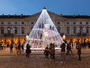 Weihnachtsbaum auf dem Platz