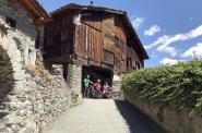 Radeln mit blick auf den Monte Rosa
