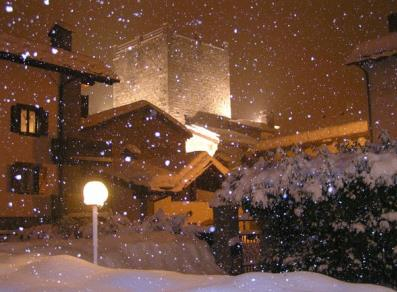 By night under the snow