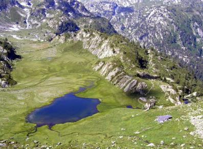 Campo da tennis in terra rossa c o bar la sapini re for Buthier piscine