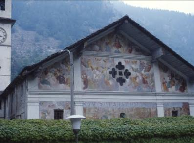 The façade with the Last Judgment fresco