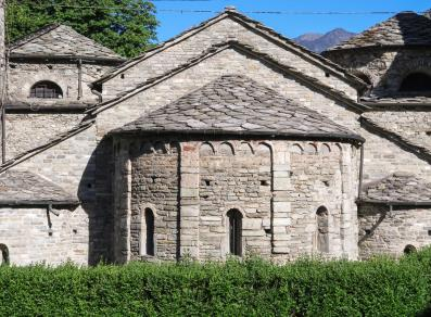 Apse with single windows